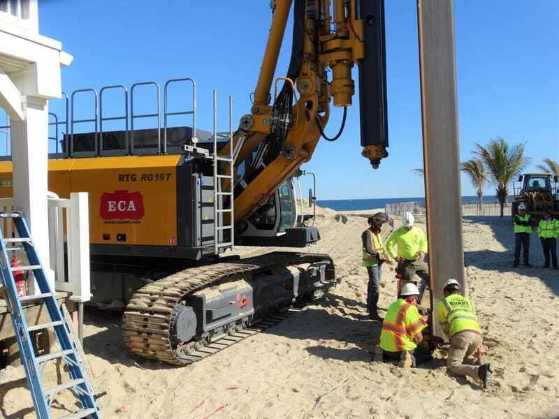 RTG RG 19 T makes quick work of piles in sand